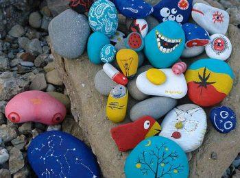Beach Attack! Andiamo a liberare i sassi dipinti