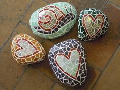 giovanigenitori - sassi dipinti mosaico