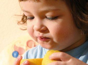 Impossibili a tavola: quando i bambini rifiutano i cibi nuovi