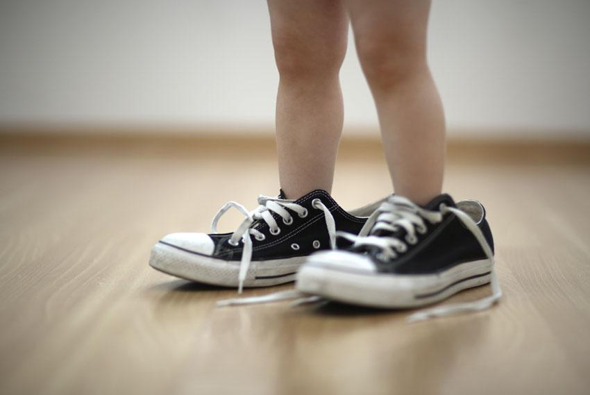 Scarpe usate per i bambini. Sì o no?