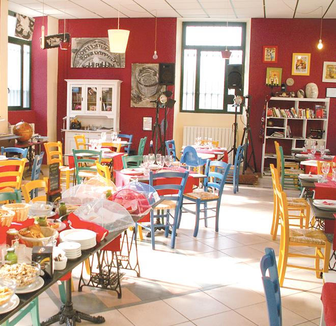 Al Barrito (Torino) i bambini giocano e i genitori cenano tranquilli