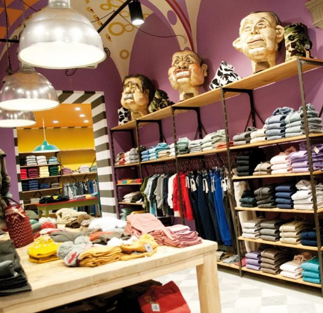 Negozi arredamento torino arredamenti per negozi di for Arredo negozi torino