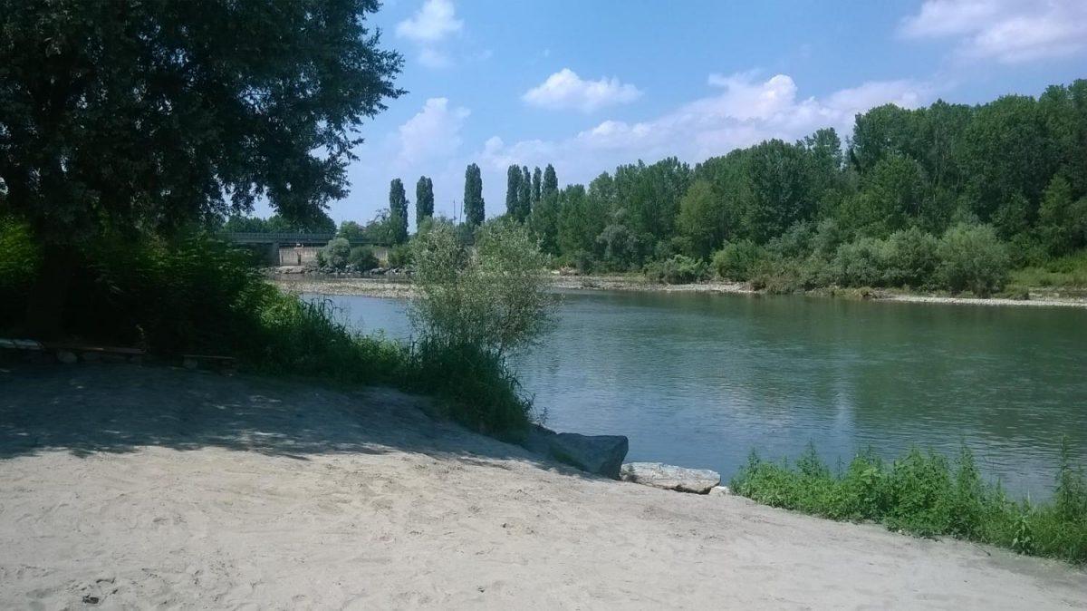 La spiaggia di Torino? Esiste e si trova nel parco del Meisino