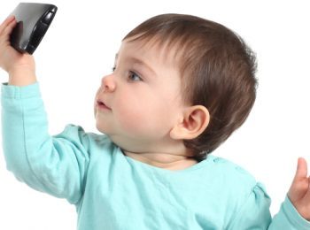 IL Belgio dice NO ai cellulari ai bambini!
