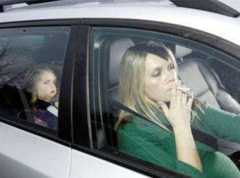 Fumo in auto con minori, ora c'è il divieto!