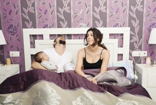 Il sonno interrotto affossa la nostra allegria