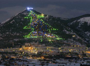 A Gubbio per l'albero di Natale più grande del mondo
