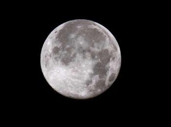 A Natale tutti a guardare la luna piena