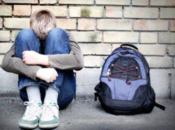 Bullismo, cos'è e come riconoscerlo