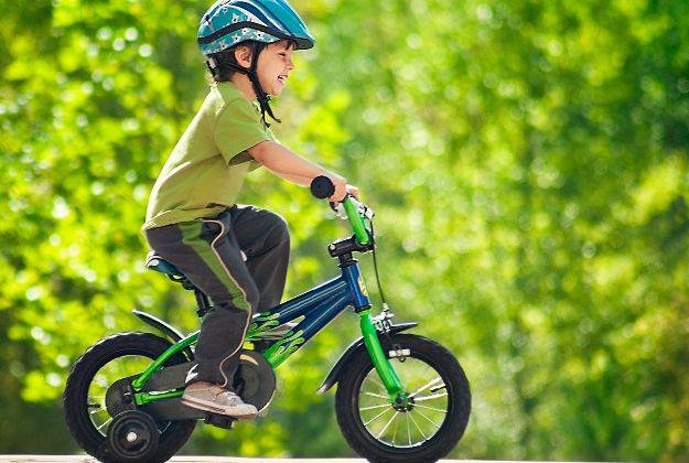 La bicicletta fa bene alla vista e migliora l'occhio pigro