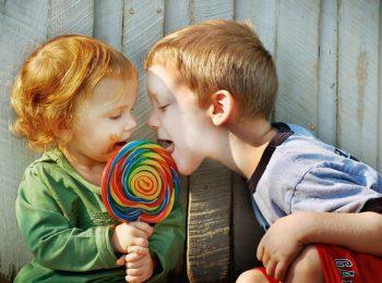 Educare a condividere: i consigli del metodo Montessori