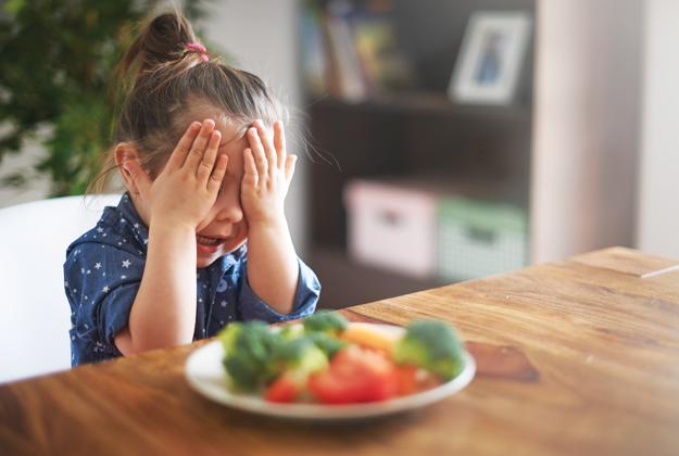 Bambini sereni a tavola: come fare?