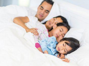 La dolcezza del cosleeping, dormire ad alto contatto