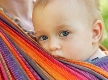 Meglio la fascia porta bebé, il marsupio, il fasciupio o il mei tai?