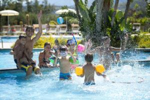 In piscina con VOIhotels