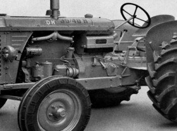 Dimostrazione d'aratura con trattori d'epoca