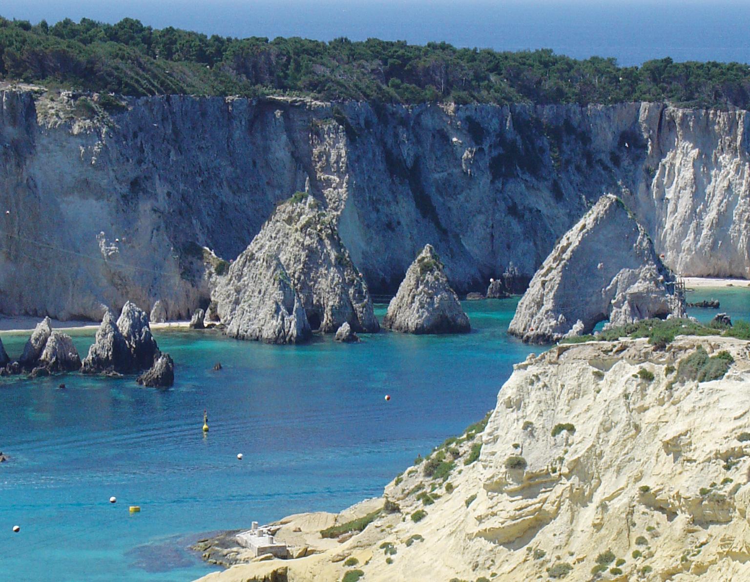 Procida, Tremiti e Capraia: piccole isole, grandi vacanze