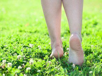 Vita da scalzi. Quanto fa bene il barefooting (e dove praticarlo)