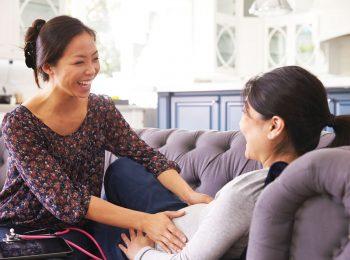 Meglio avere la stessa ostetrica in gravidanza, durante il parto e dopo
