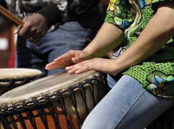 Danza e percussioni africane per famiglie