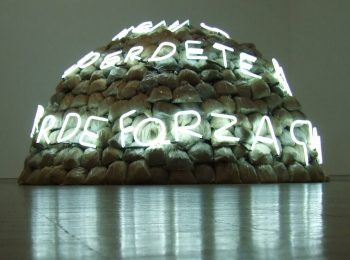 Mario Merz: igloo e scritte luminose