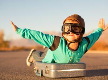8 idee per volare tranquilli con i bambini