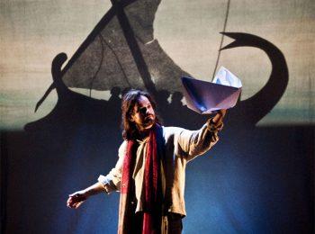 Canto la storia dell'astuto Ulisse