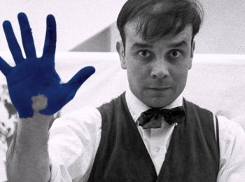 Nel blu di Yves Klein