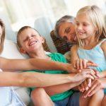 Yoga della risata genitori e figli