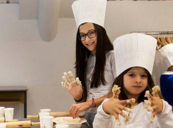 In cucina con la mamma