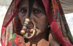 GG 14 ott piccolo ma prezioso gioielli dei nomadi dell Asia