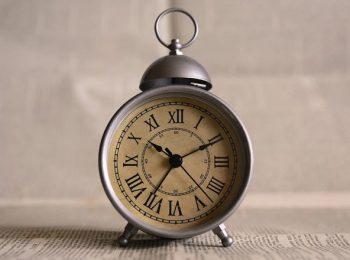 Tardi, ovvero le virtù e la genetica delle ore piccole