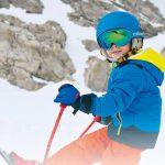 Proteggere gli occhi dei bambini dal sole invernale