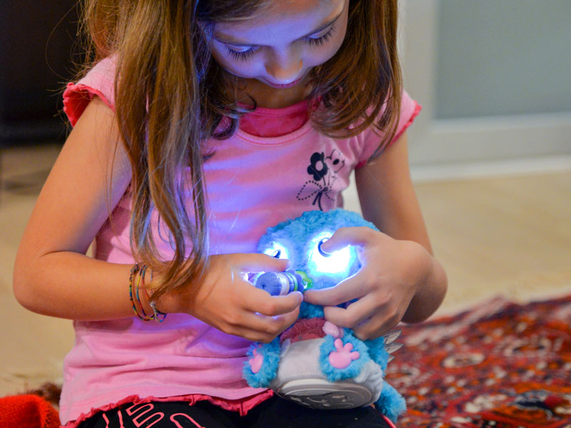 Hatchibabies Hatchimal giocattolo uovo robot