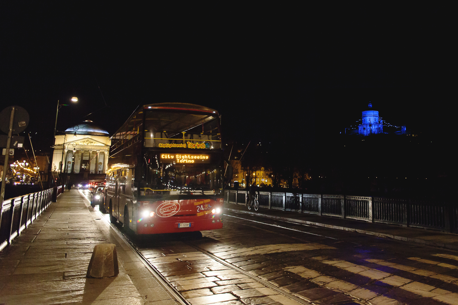 Lo special tour City Sightseeing per Luci d'artista a Torino