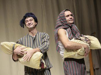 """""""Pigiami"""" canadesi, uno spettacolo universale per famiglie che oltrepassa le barriere linguistiche"""
