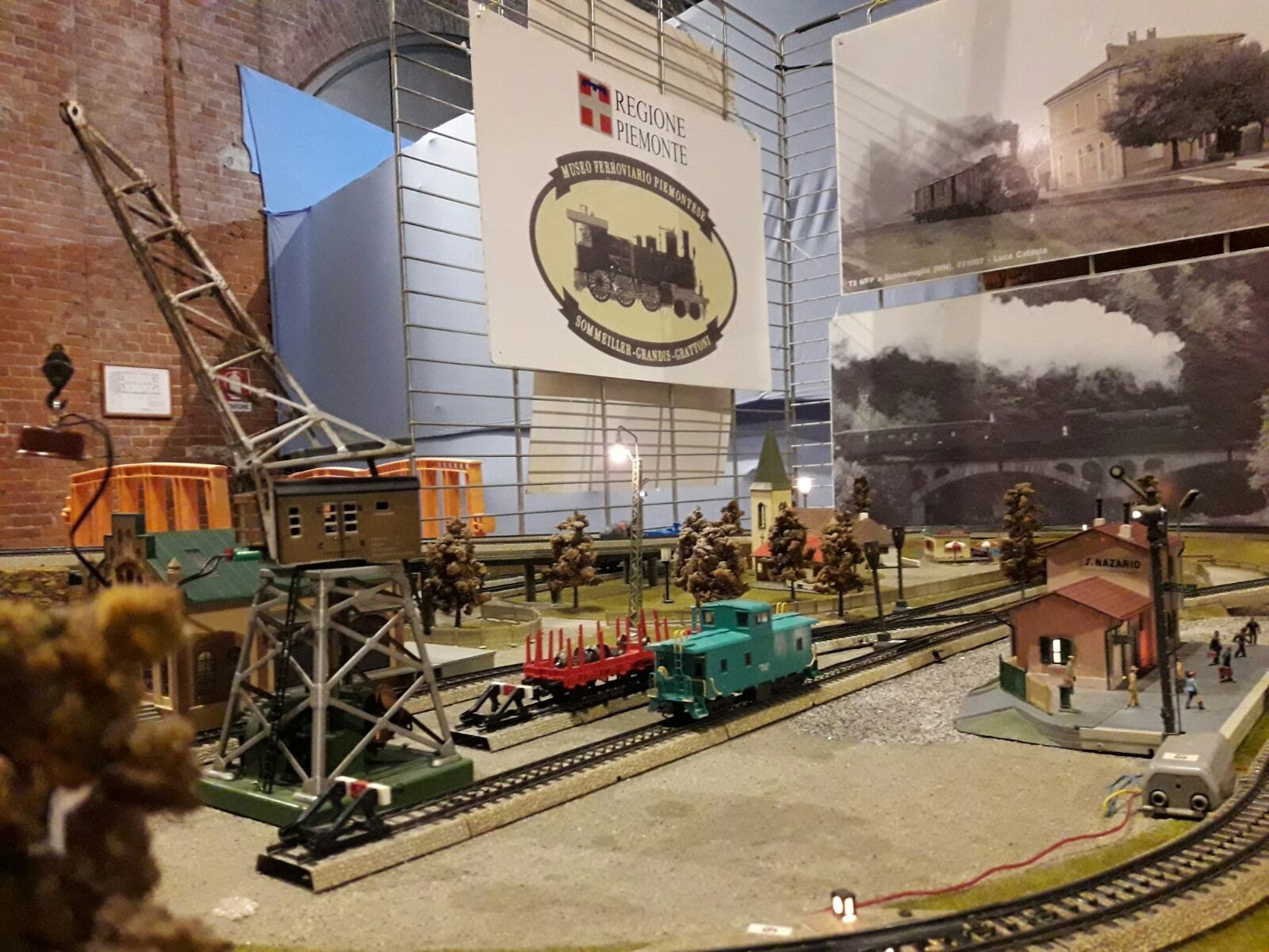 GG 5 gen arriva la befana in treno museo ferroviario piemontese