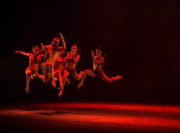 Teatro Carcano a febbraio, tra spettacoli, acrobazie e danze
