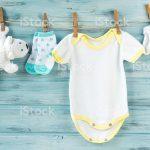 Vestiti per neonati: consigli e tendenze per non sbagliare gli acquisti