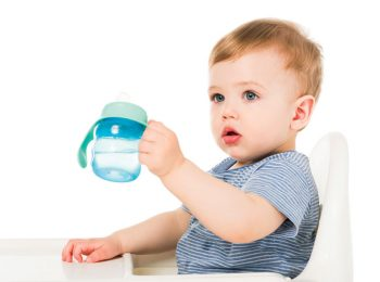 Quale acqua per i bambini, dal biberon alle prime pappe