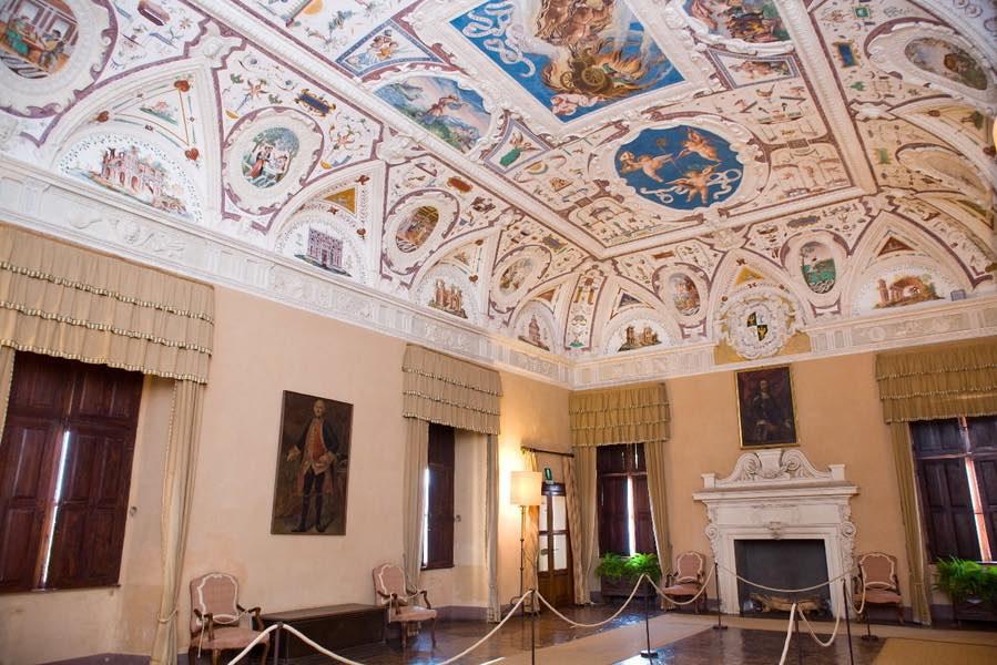 Castello della Manta a giugno, gioiello del FAI da scoprire