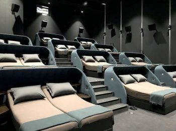In Svizzera al cinema il film si guarda sdraiati a letto