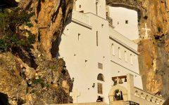 Monastero montenegro bambini
