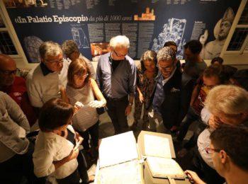 Al Museo del Tesoro del Duomo di Vercelli novembre è lettura
