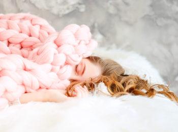 La stanchezza delle mamme: è (anche) da ipervigilanza