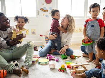 Multi-Maternage: come si cresce un bambino nelle diverse culture