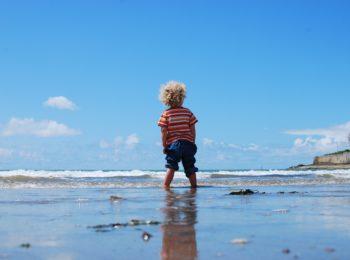 Spiaggia e mare: 7 benefici per i bambini