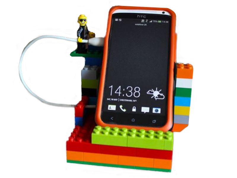Festa del papà - LEGO idee creative - base telefono giovanigenitori.it