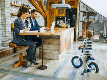 8 regole per genitori in smart work
