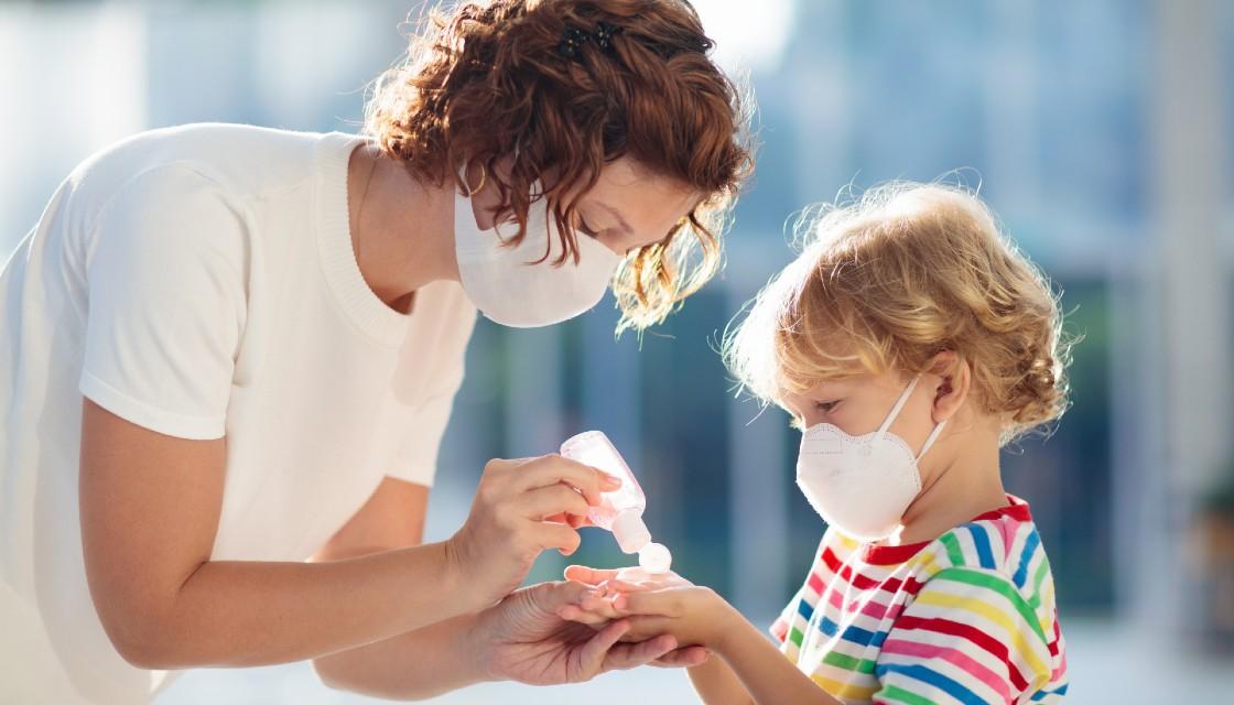 Mascherine e mani: la sicurezza dei bambini in fase 2
